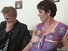Old bitch jumps on his big meat
