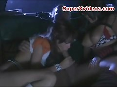 Threesome fuck in limo