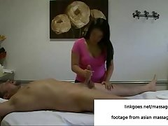 Hot massage ends with handjob in asian massage parlor