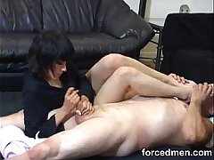 Worship her feet and she'_ll fabricate you to ecstasy